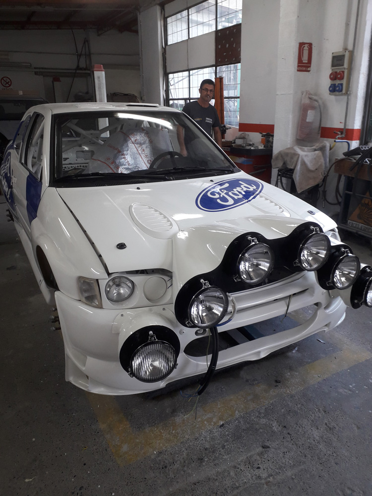 Auto sportiva- Carrozzeria Eporediese